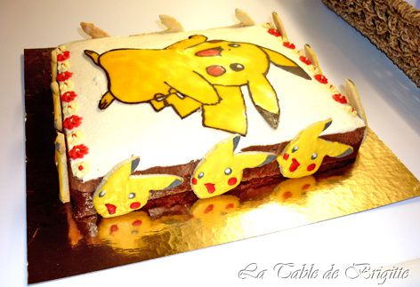 http://a141.idata.over-blog.com/472x323/3/27/46/71/PHOTOS-2/gateau-Pikachu-vu-de-profil.jpg